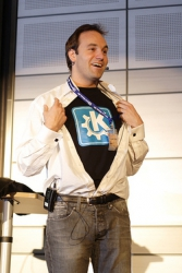 Mark Shuttleworth patronem KDE